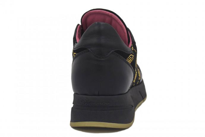 Кожаные кроссовки со стразами Blumarine
